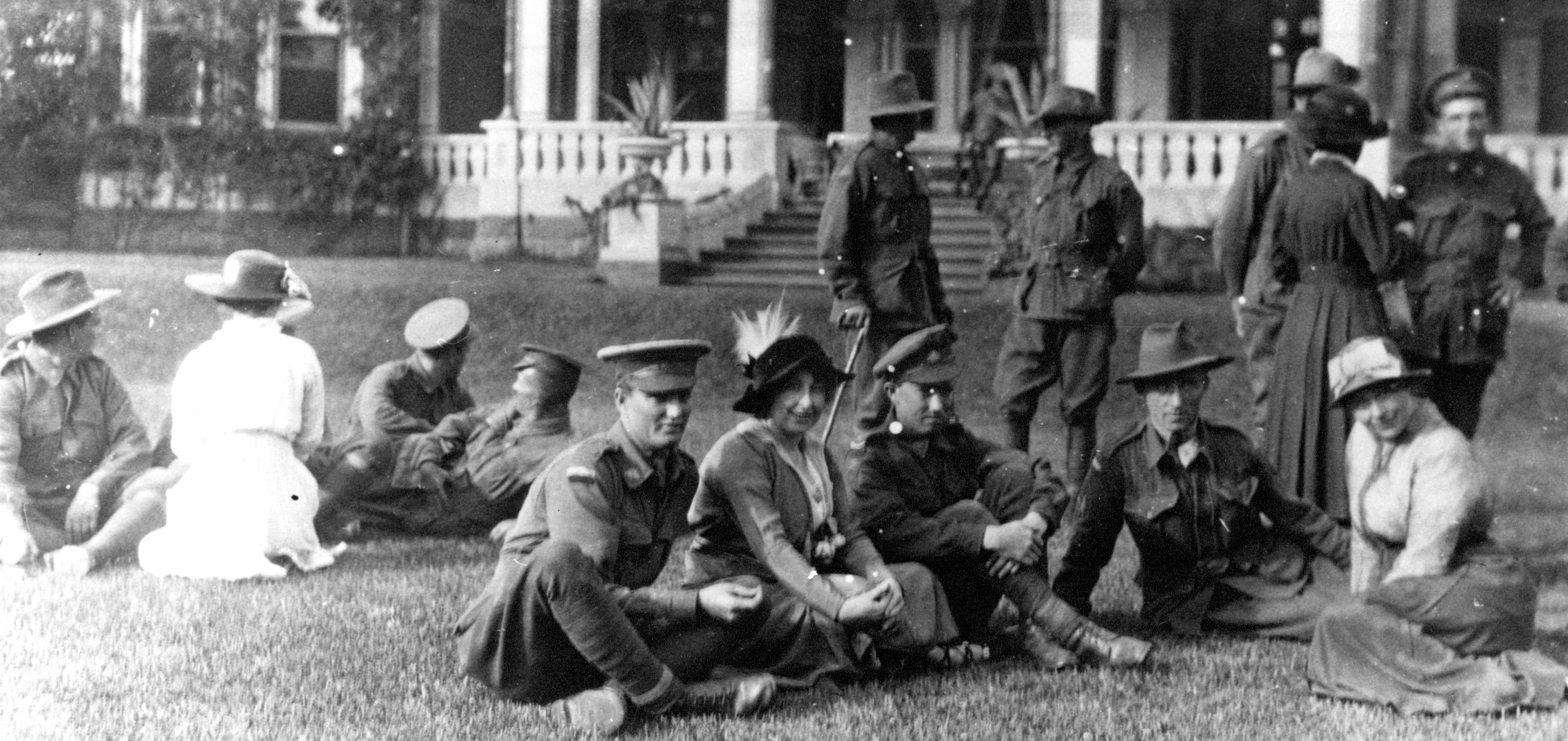 Pompey Eilliott at War